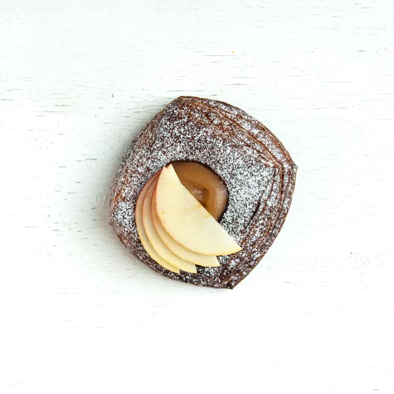 Økologisk spandauer fra Mirabelle Bakery. Organic spandauer from Mirabelle Bakery.
